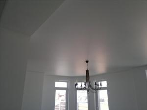 простые потолки